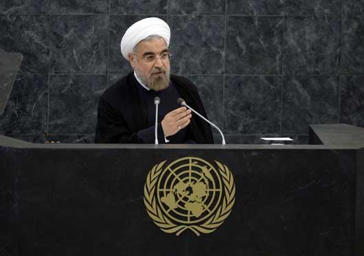 روحانی در نیویورک همچنان از ادبیات آشتی جویانه استفاده کند/ ملت ایران هزینه ندانمکاریهای احمدینژاد را پرداخت